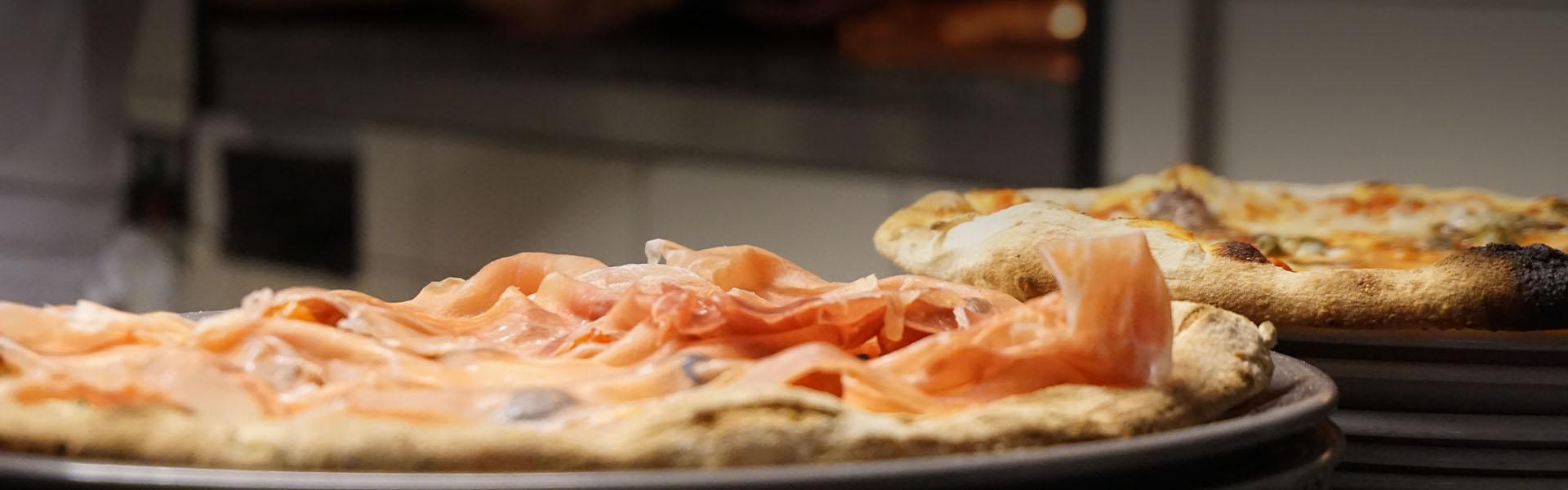 Le Pizze della Pizzeria Birrificio Comparsa - Montagnaga di Pinè
